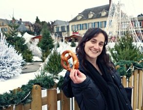 mary-with-pretzel